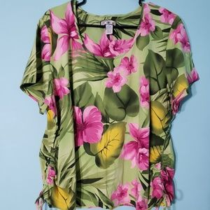 Super soft, stretchy, floral tee